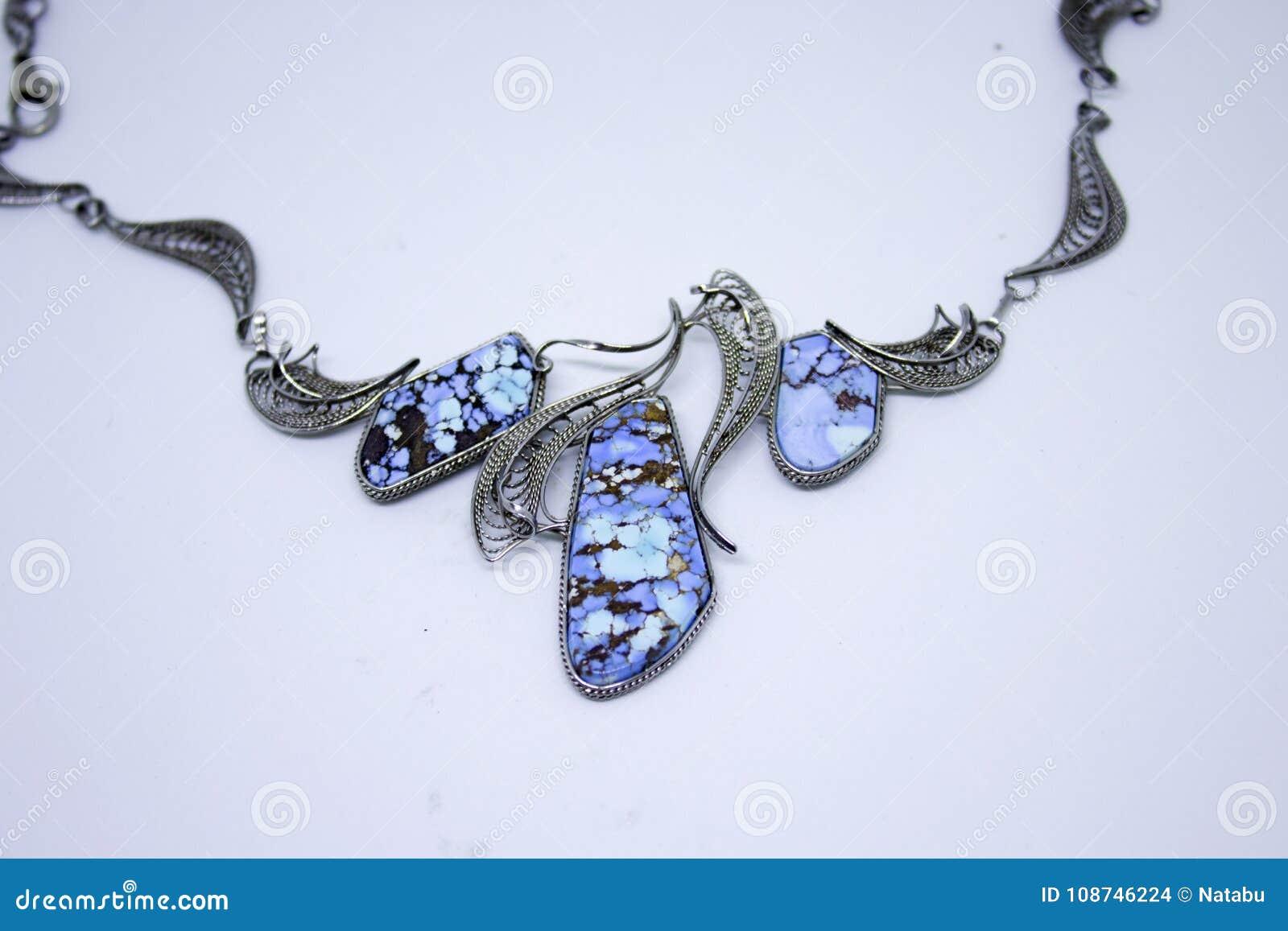 Halsband med turkos