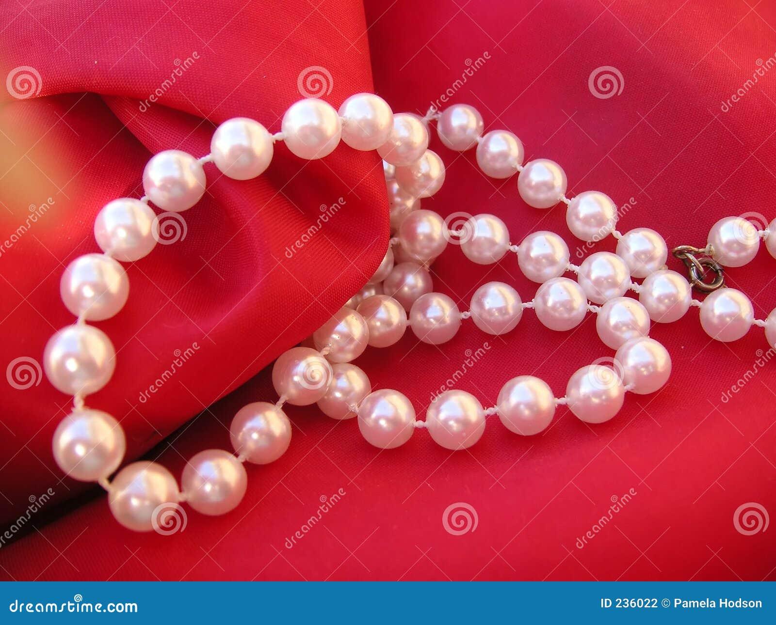 Halsbandpärla