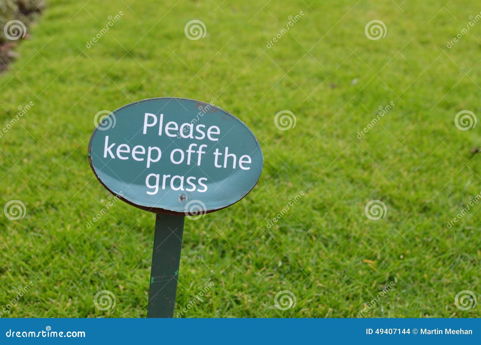 Download Halten Sie Bitte Weg Vom Graszeichen Stockfoto - Bild von garten, unterhalt: 49407144