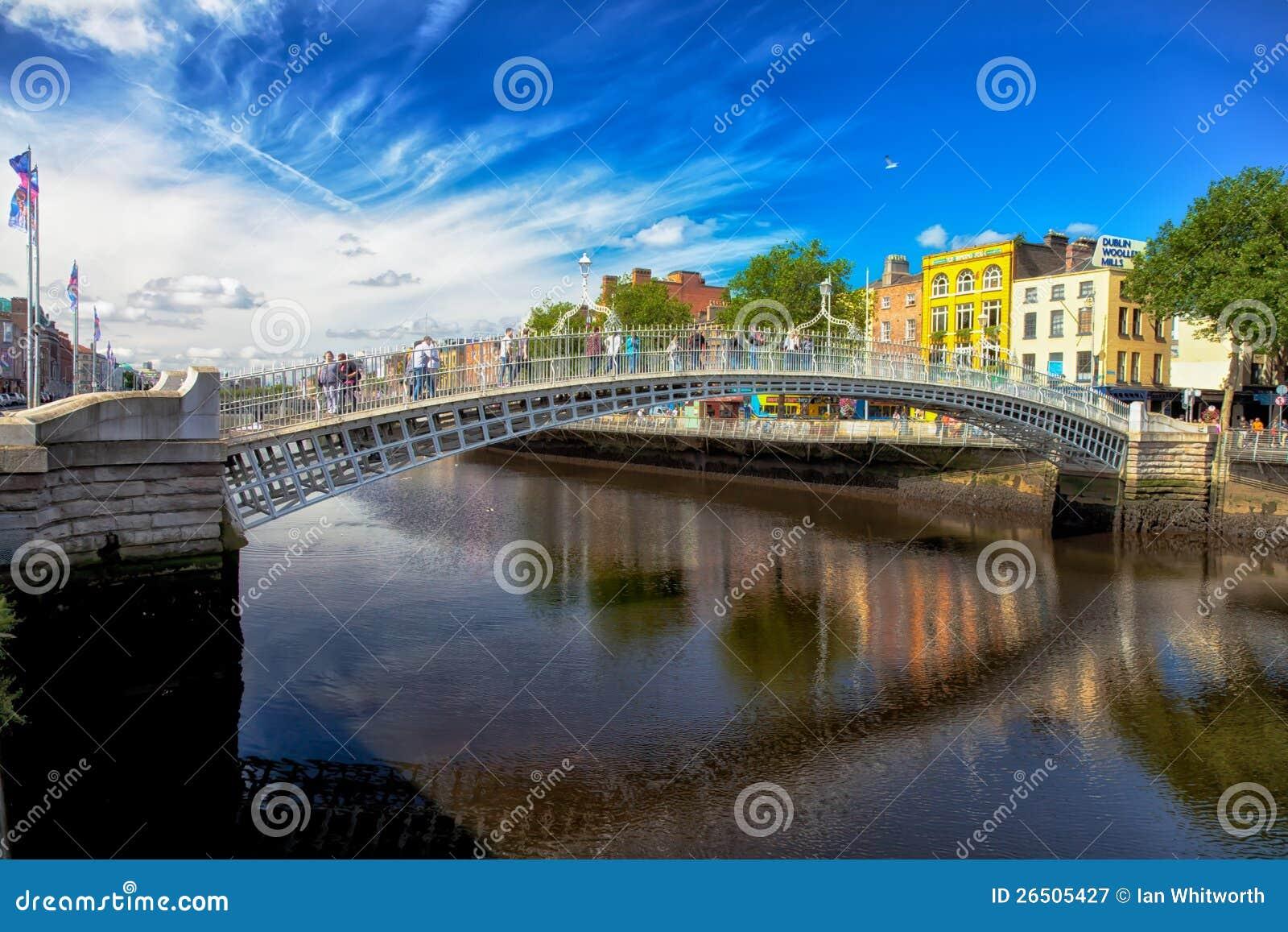 Halvpennymyntet överbryggar Dublin