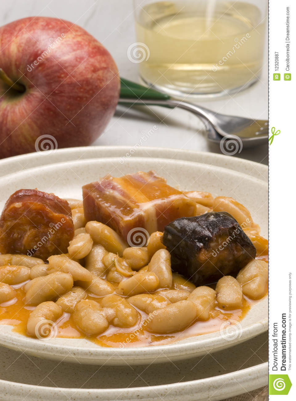 Ham and beans asturias style spanish cuisine fa royalty for Asturian cuisine
