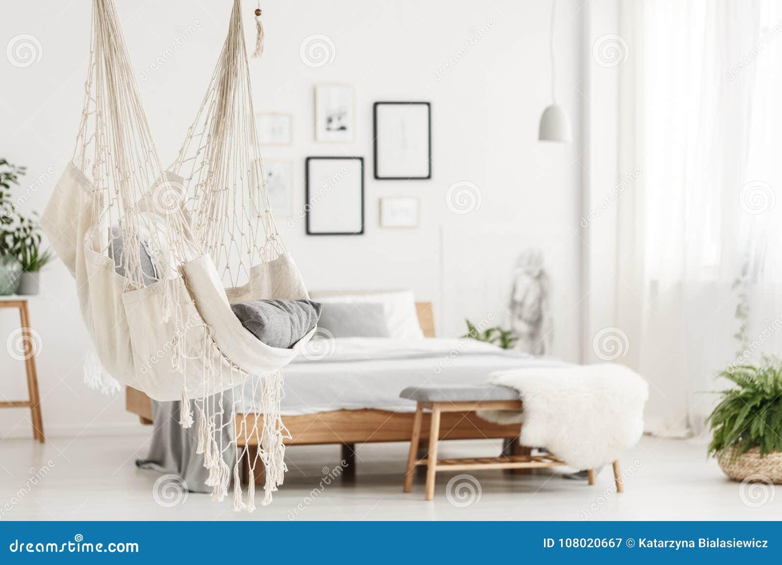 Hamac Et Lit Dans La Chambre à Coucher Image Stock Image Du