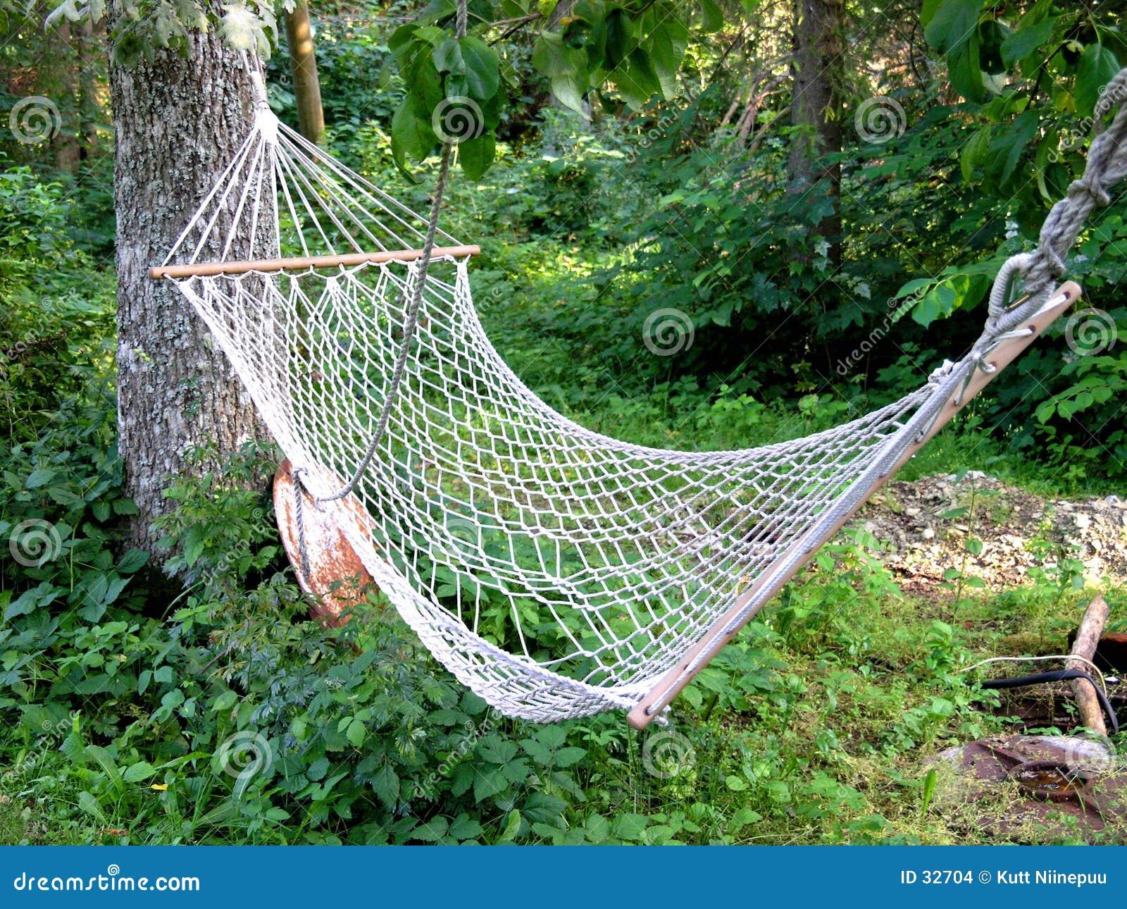 Download Hamaca foto de archivo. Imagen de sueño, rural, tronco, hierba - 32704