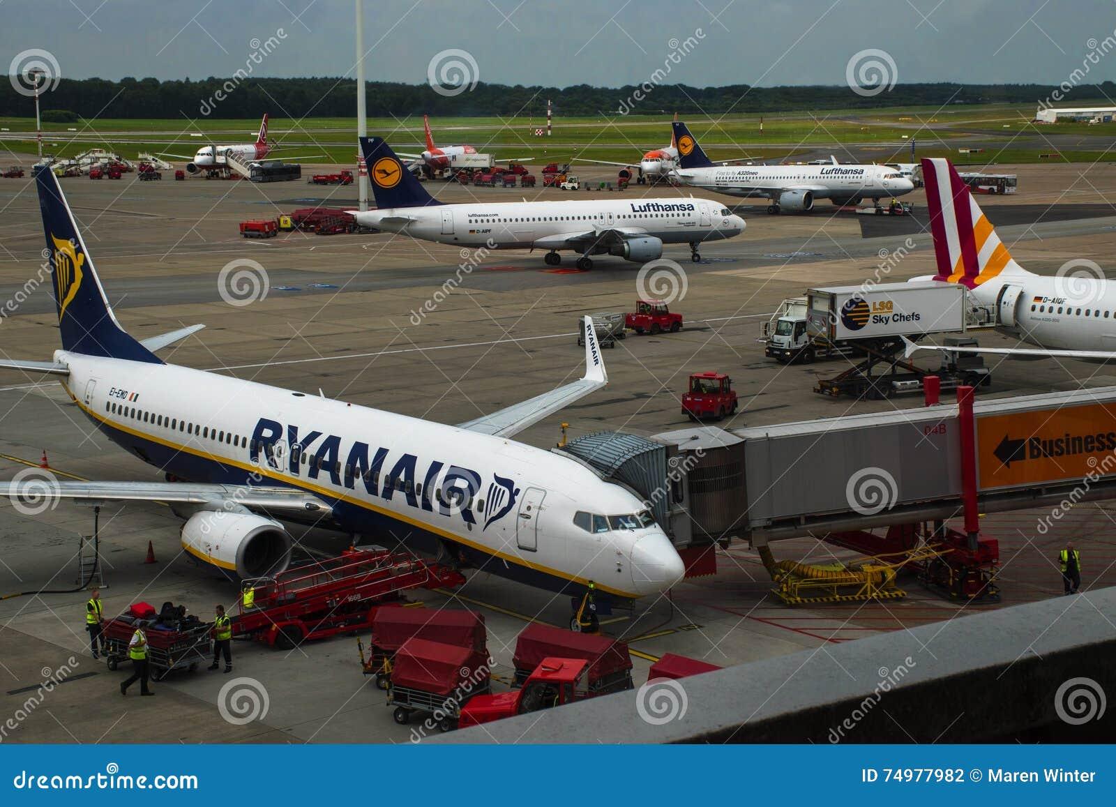Hamburg Deutschland Am 27 Juli 2016 Flugzeuge Von Ryanair Und