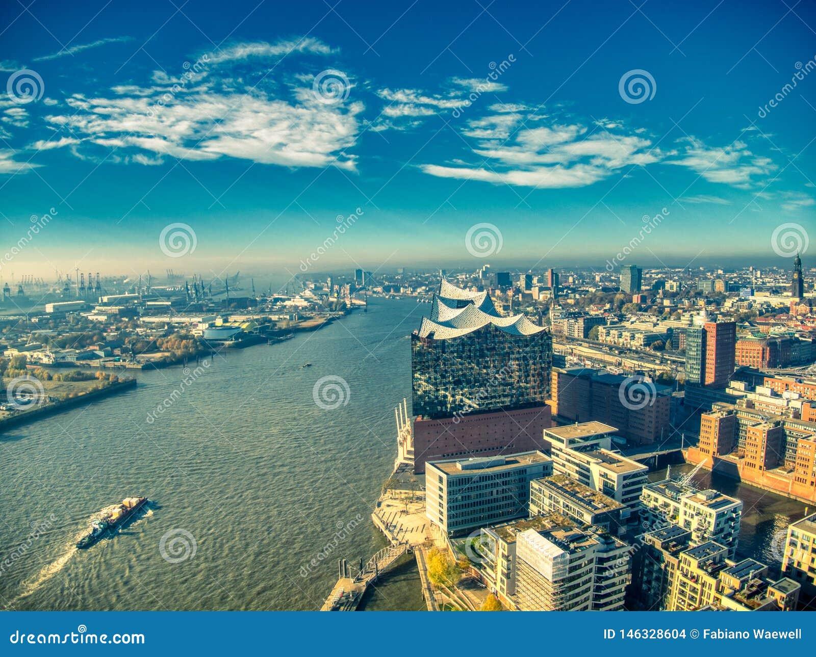 Hamburg elbphilharmonie surrar b?sta sikt