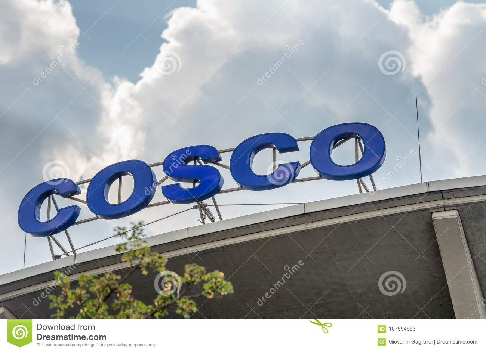 HAMBURG, GERMANY - JULY 20, 2016: Cosco Sign On A City Mall