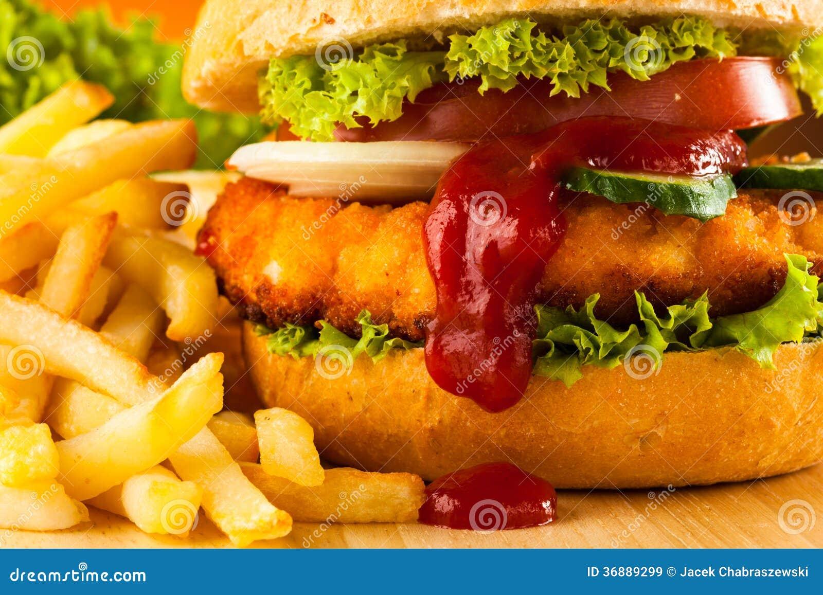 Download Hamburger immagine stock. Immagine di seno, chips, pranzo - 36889299