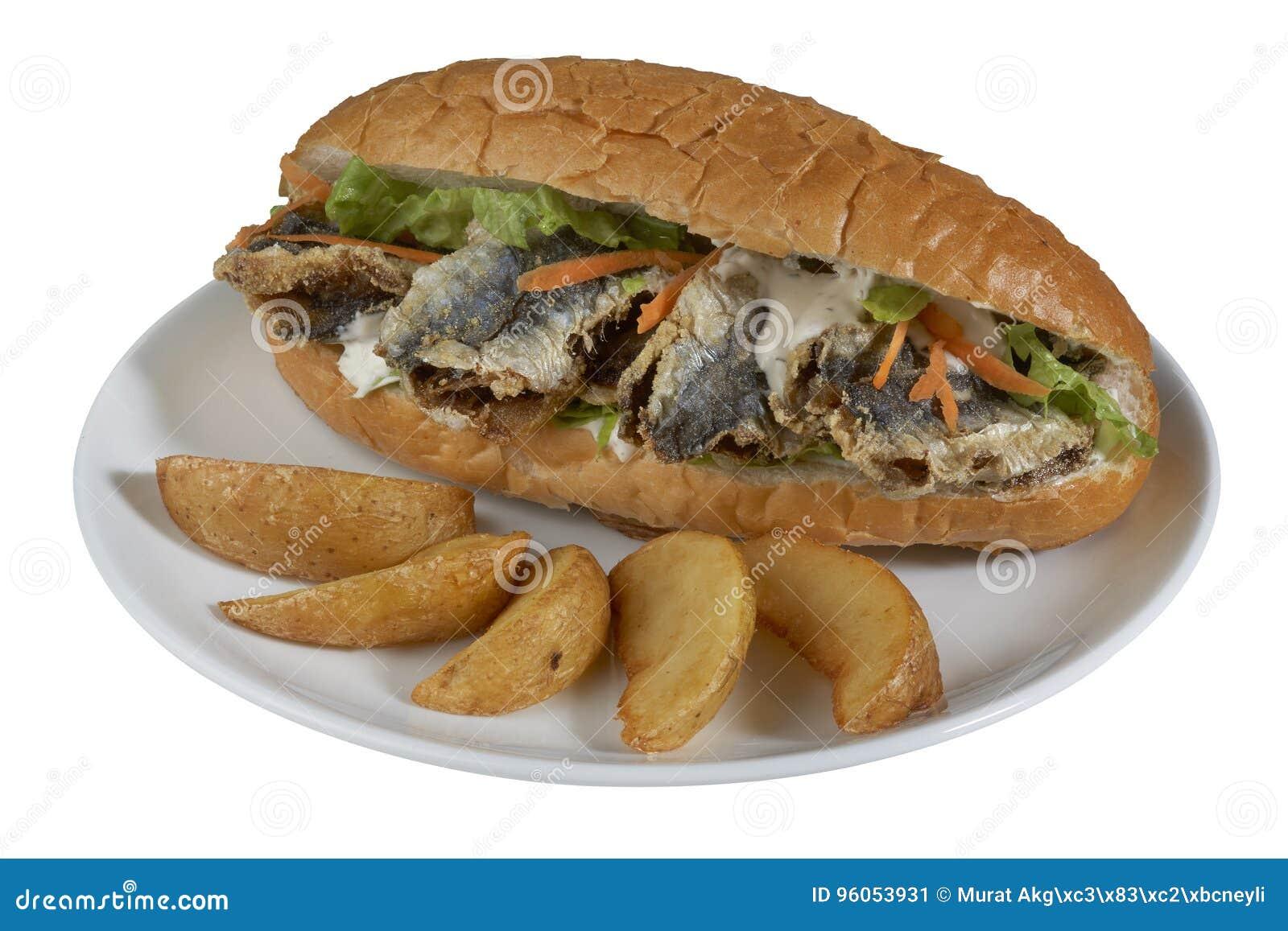 Hamburger avec les poissons frits et le x28 ; Balik traditionnel turc Ekmek et x29 ;
