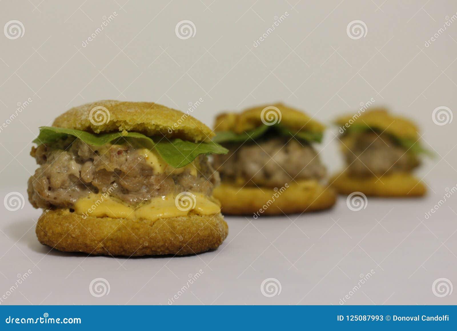 Hamburger de Fingerfood avec maionese