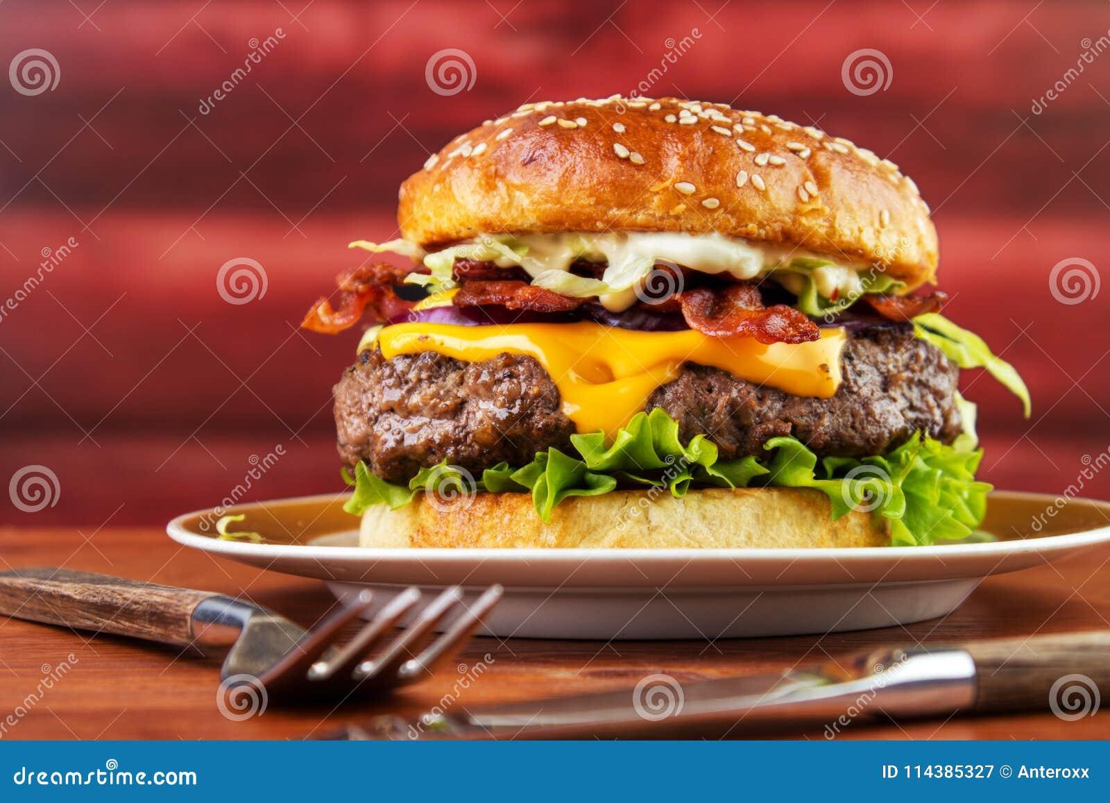 Hamburger del formaggio del bacon