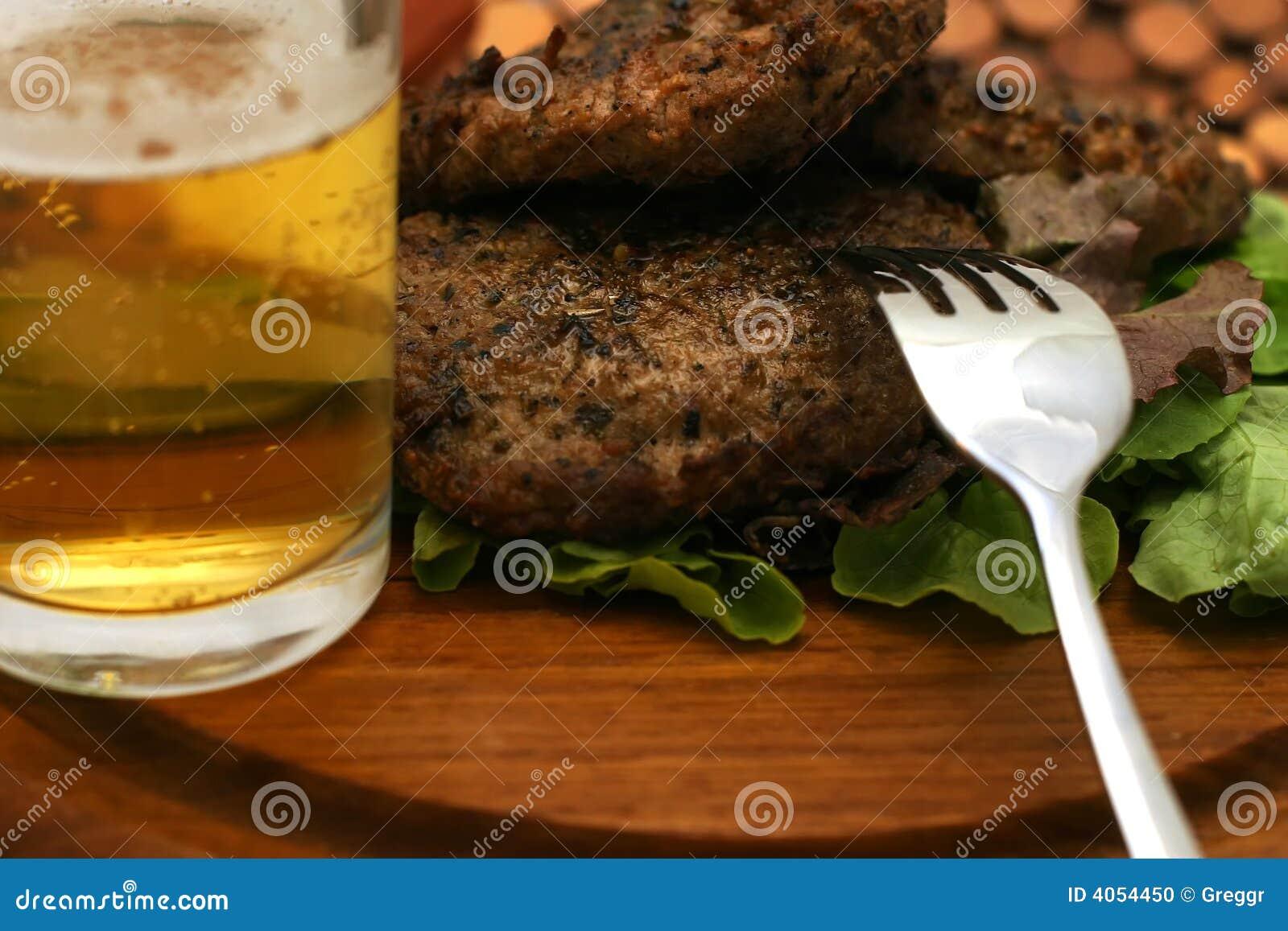 Hamburger e forquilha