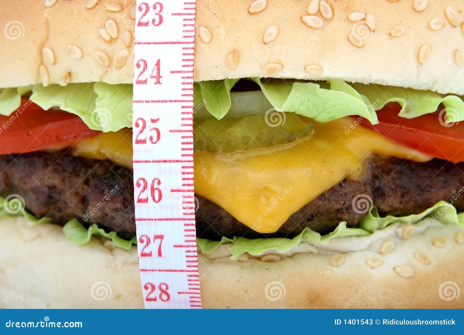 Hamburger, hamburger de fromage de boeuf avec la tomate