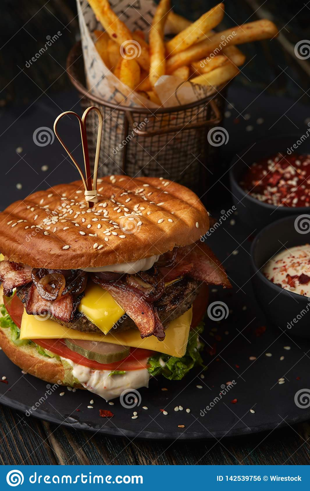 Hamburger z dłoniakami