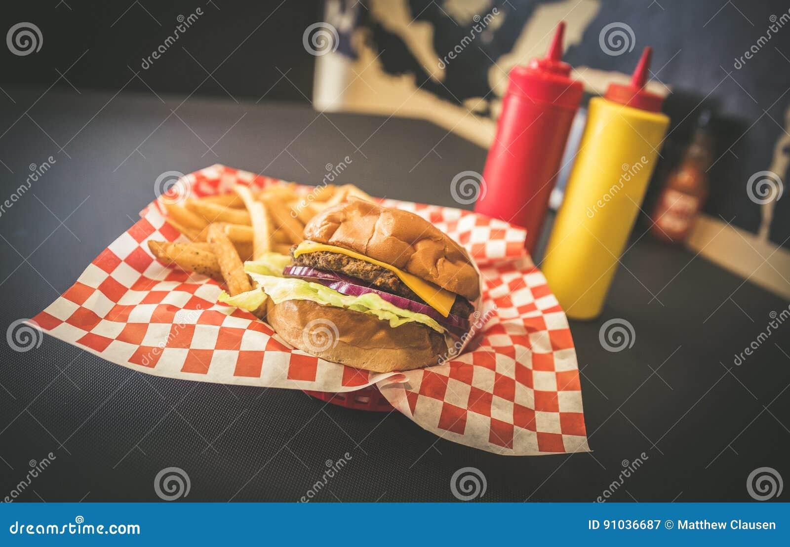 Hamburguesa y fritadas