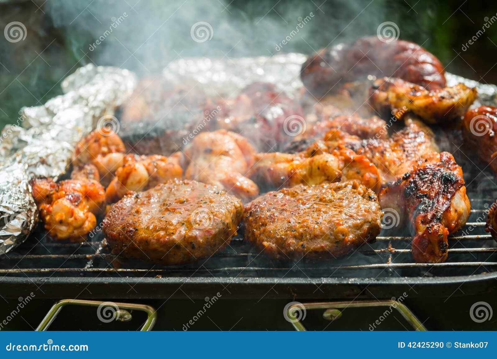 Hamburguesas asadas a la parilla