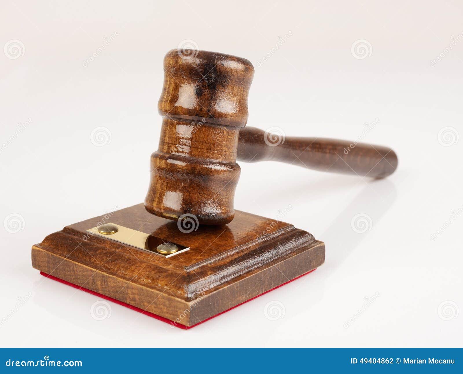 Download Hammer des Rechtsanwalts stockfoto. Bild von hammer, leuchte - 49404862