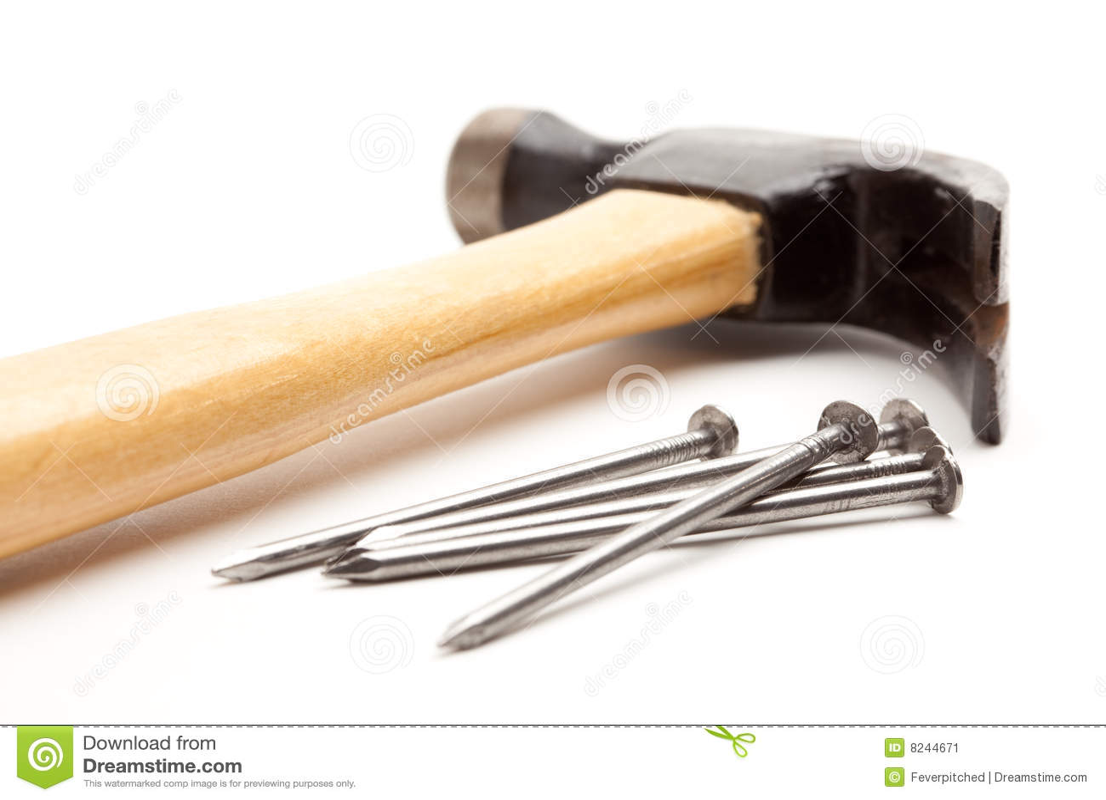 Hammer und Nägel getrennt