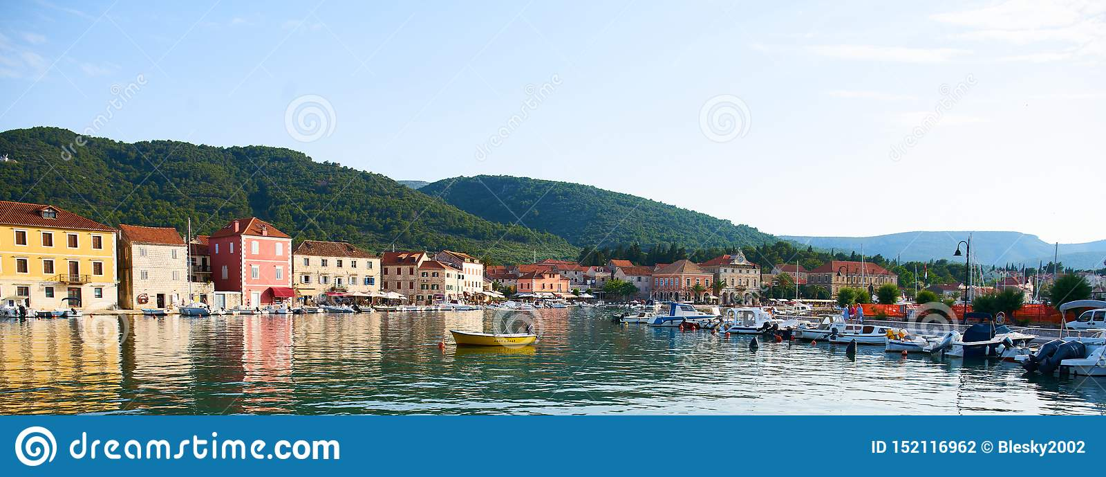 Hamnplatser från akademikra Stari, Hvar