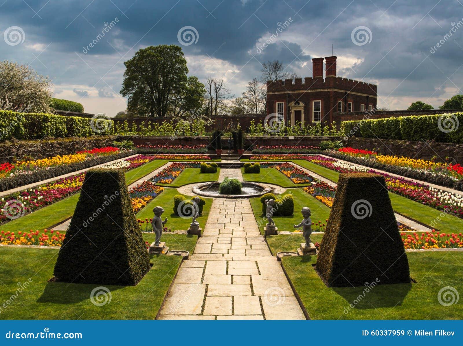 Hampton Court Palace Garden Surrey England Stock Image - Image of ...