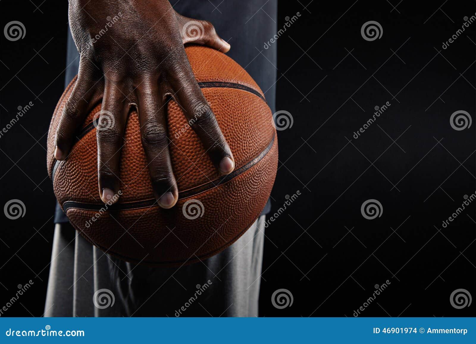Hand Des Basketball-Spielers Einen Ball Halten Stockfoto - Bild von ...