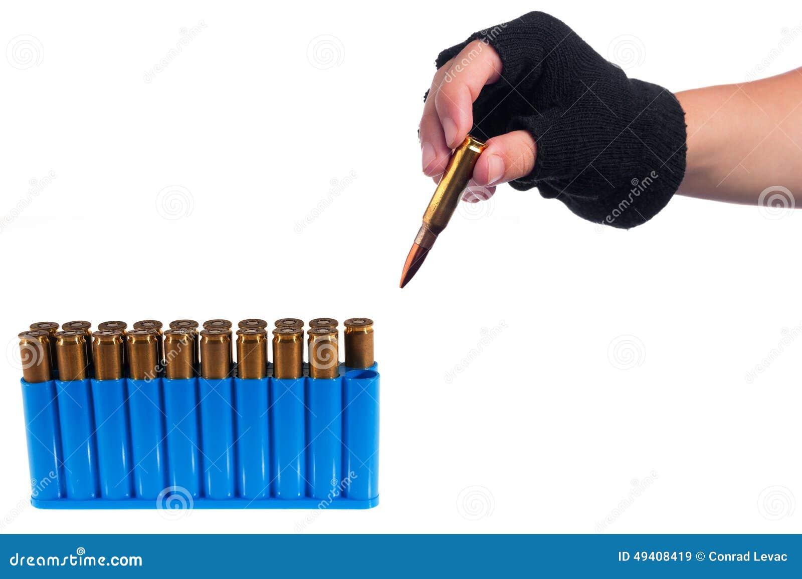 Download Hand, Die Kugel Herausnimmt Stockbild - Bild von bewaffnet, nachricht: 49408419