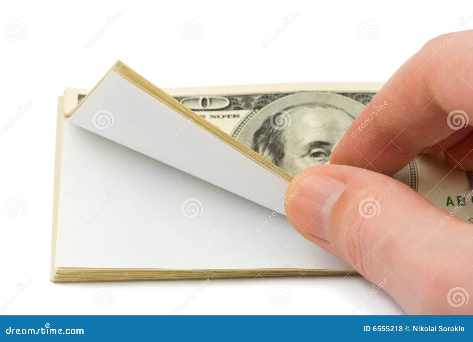 Hand en pakje van document