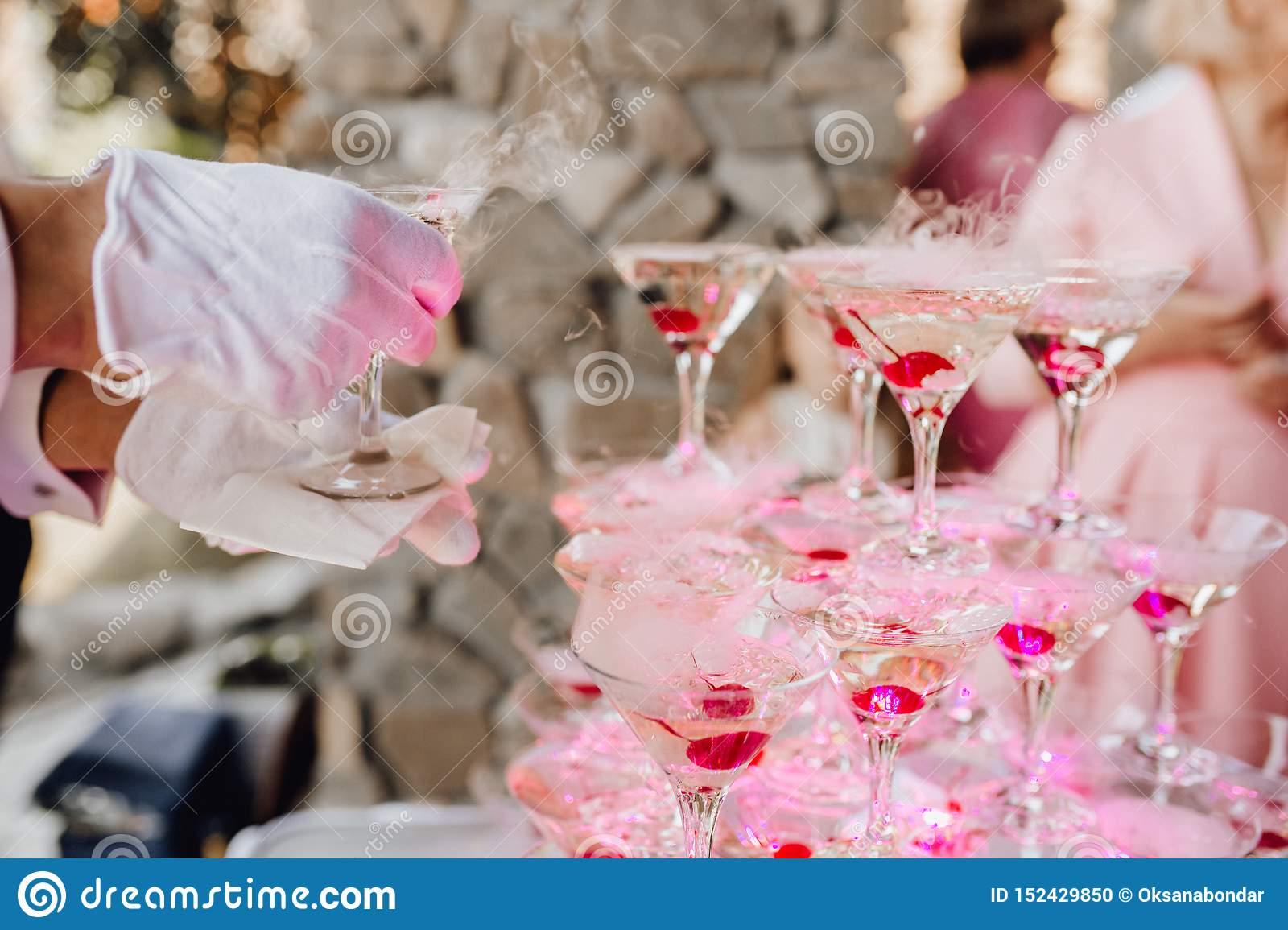 Hand in Glove put Champagne Glass Pyramid Catering