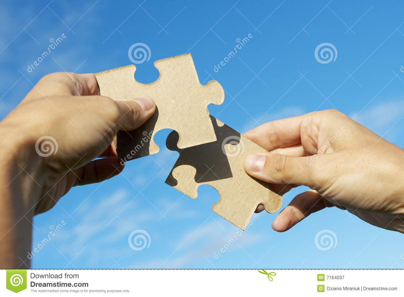 The Hand Holds Puzzle Royalty Free Stock Photography Image 7164037