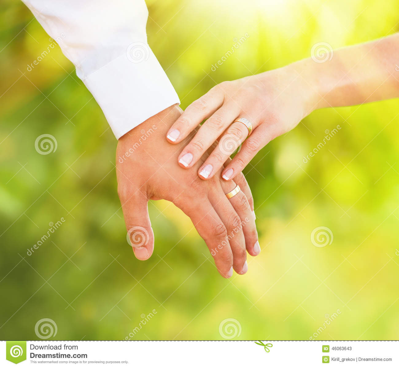 Hand of married people