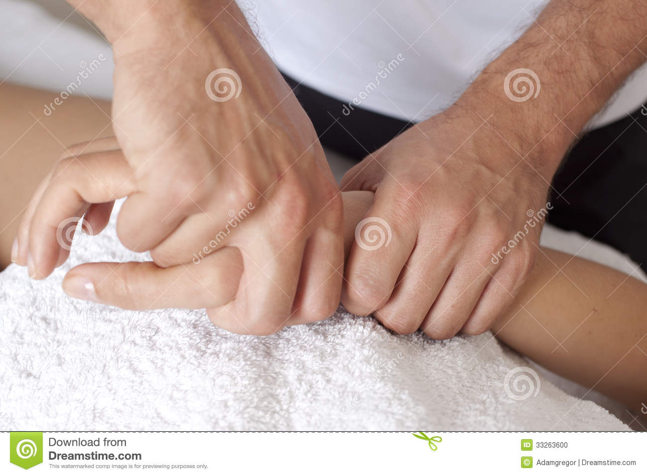 How to give a massage give a hand massage to a client