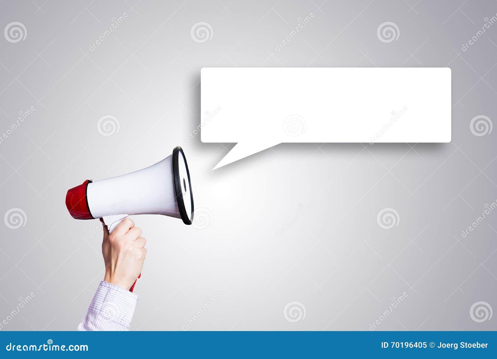 Hand med megafonen och den tomma anförandebubblan