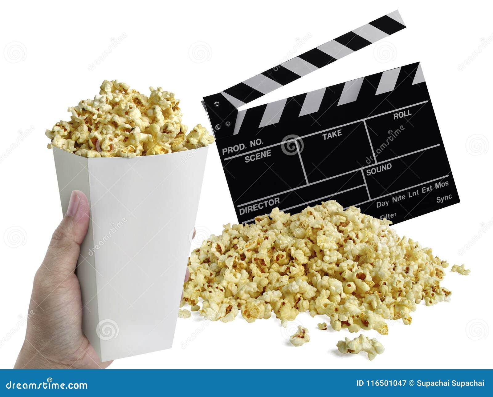 Hand mit dem Popcorn, Film clapperboard lokalisiert auf Weiß