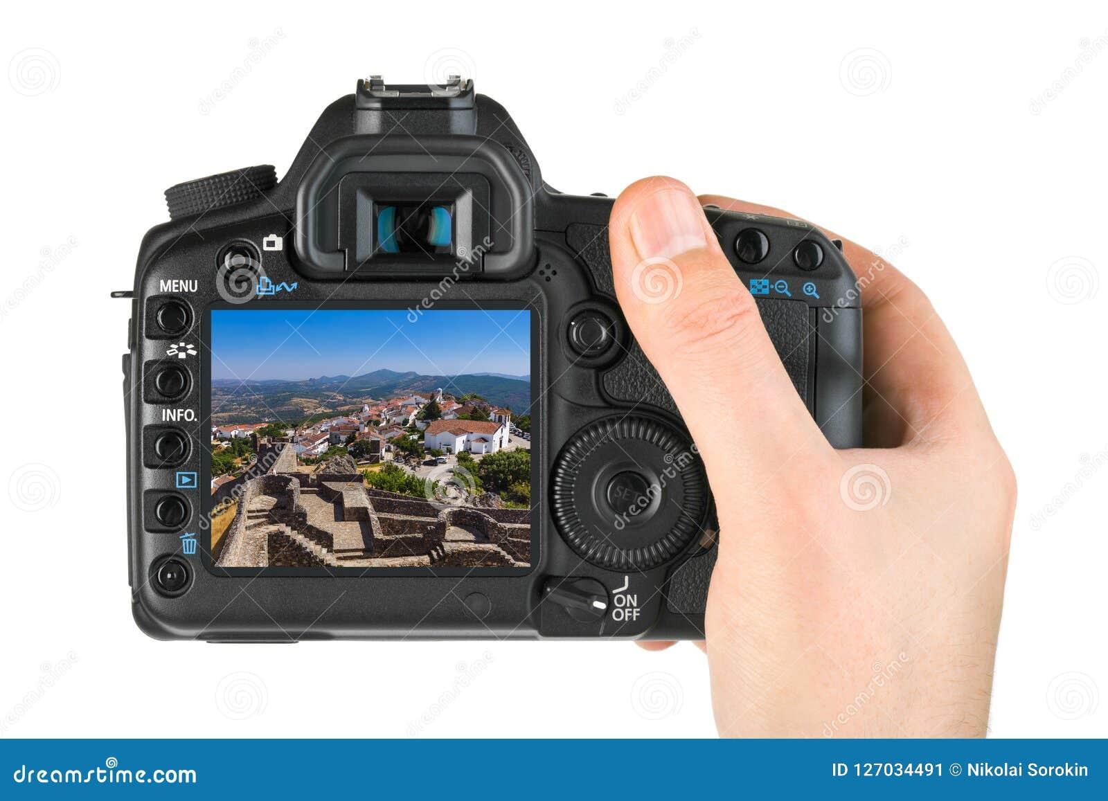 Hand mit Kamera und Festung im Dorf Marvao - Portugal mein p