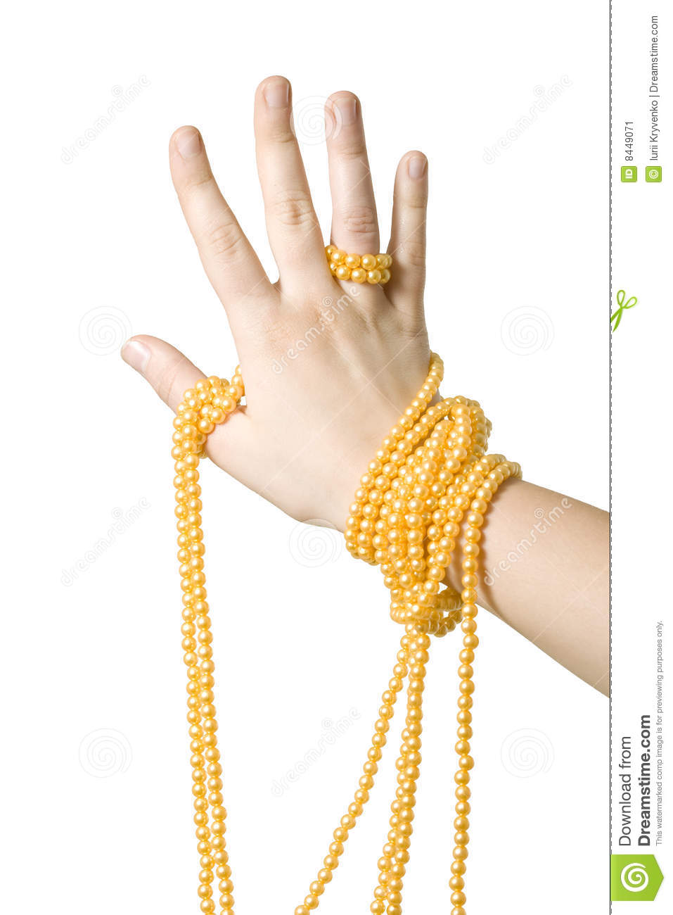 Hand with perls