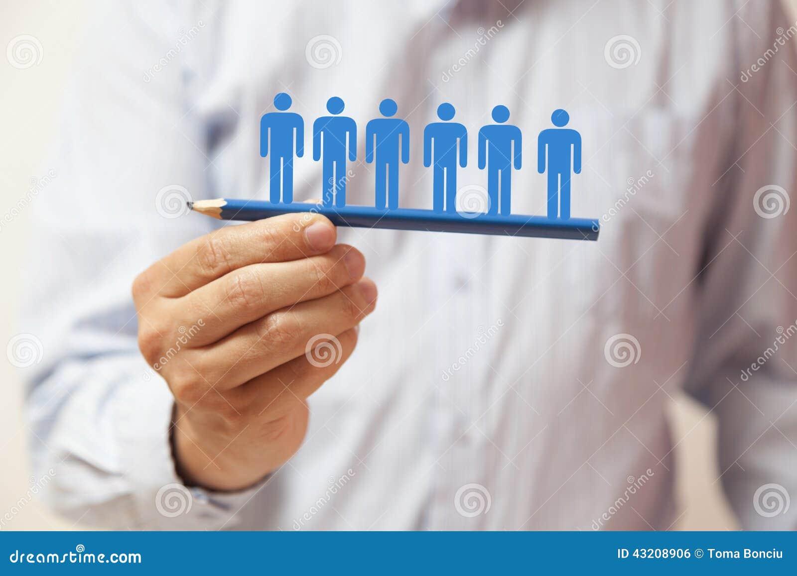 Download Hand Som Rymmer En Blå Blyertspenna Med Mänskliga Diagram Arkivfoto - Bild av mänskligt, tillväxt: 43208906