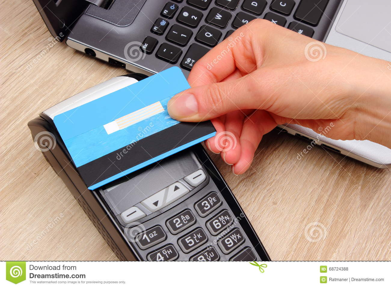 woman with credit card pussy