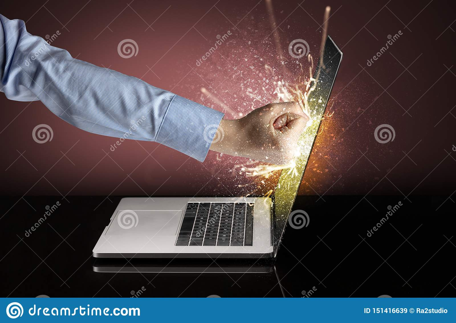 Handboxender Laptopschirm