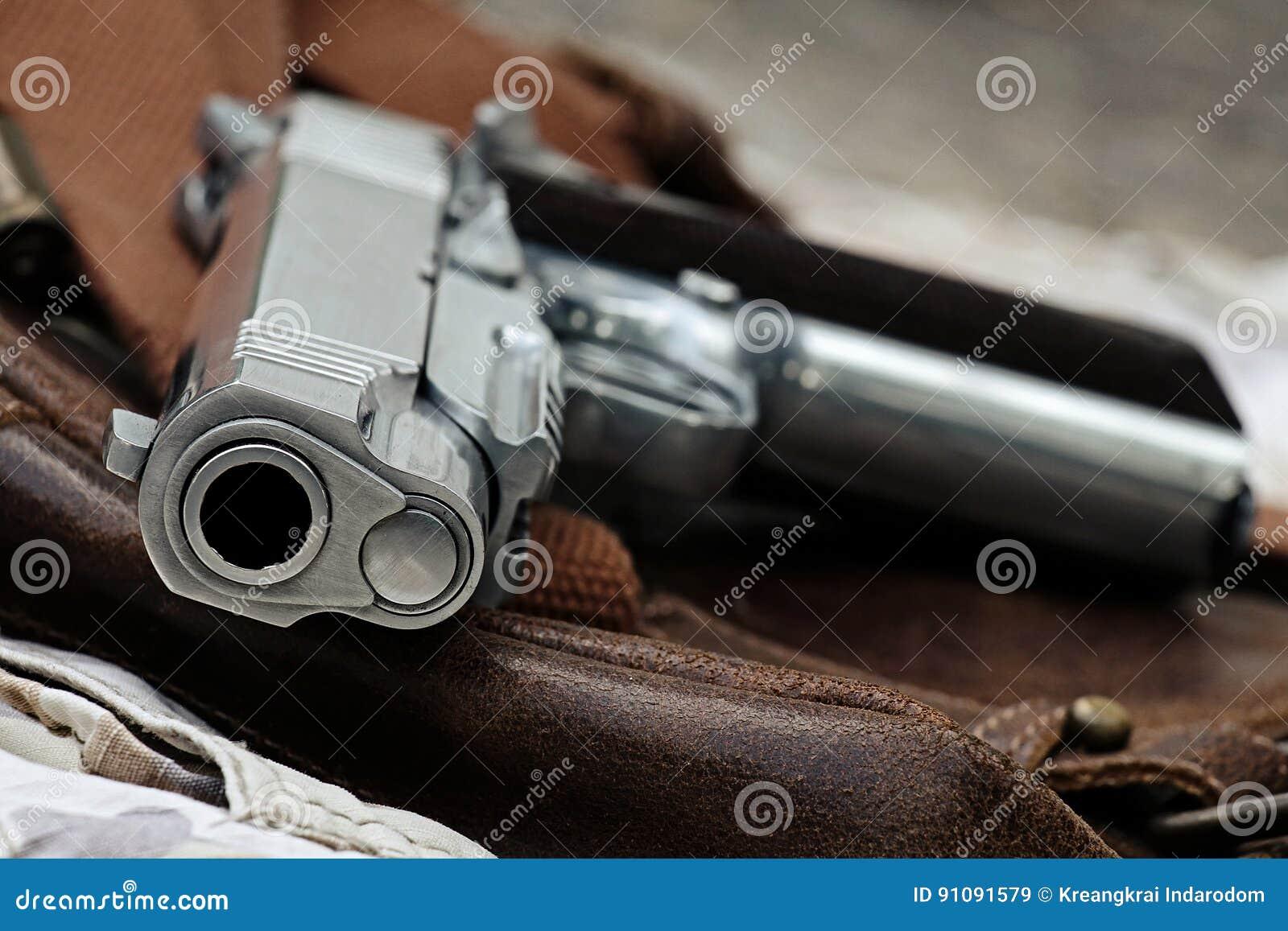 Handeldvapen som är halvautomatisk
