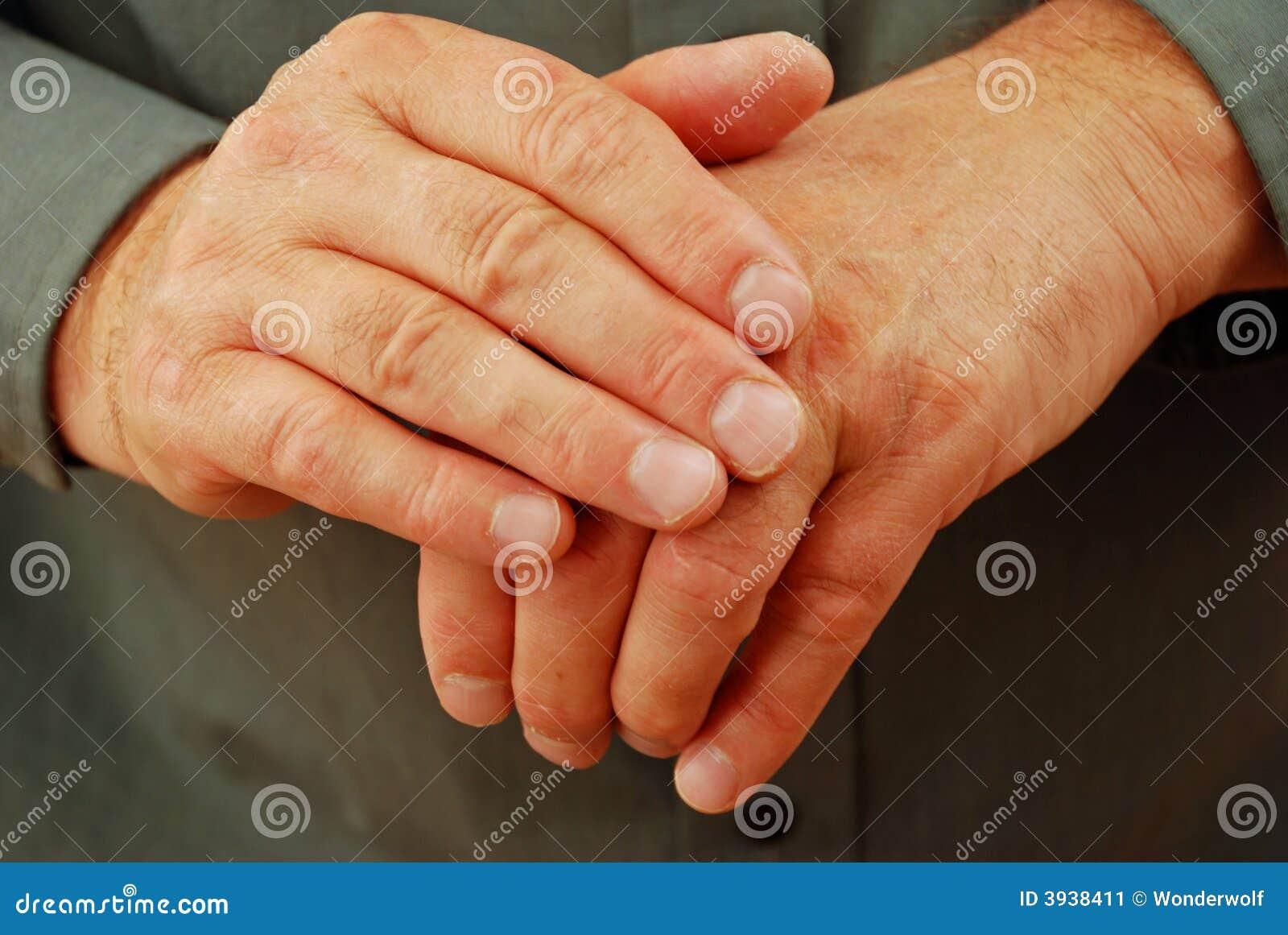 Handen die Doen barsten zijn