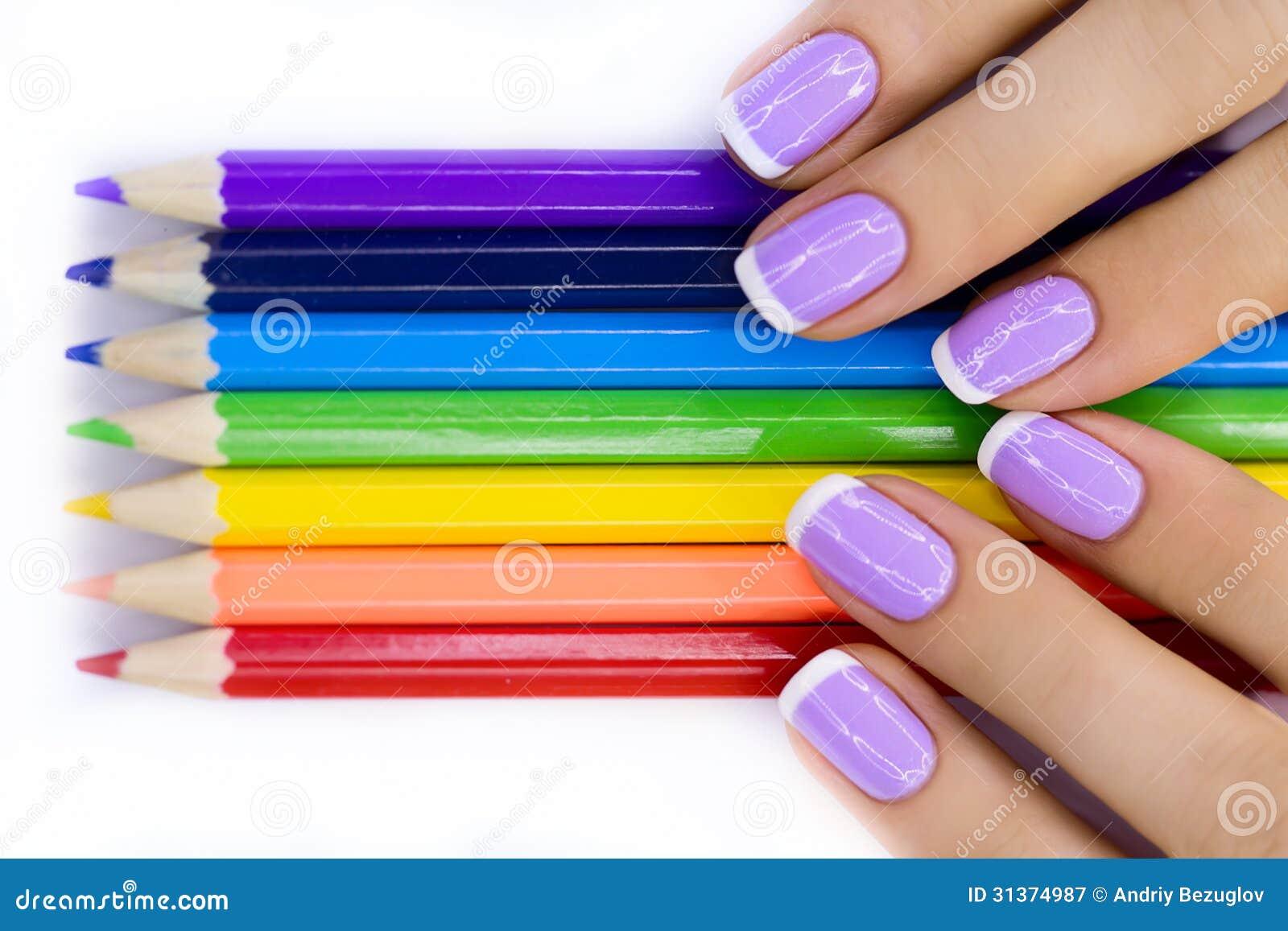 Handen met potloden