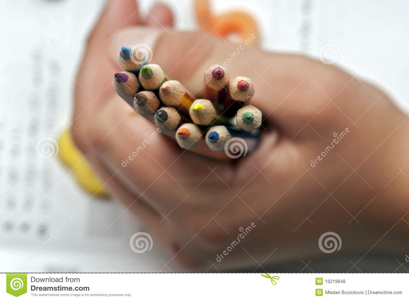 A handfull of crayons