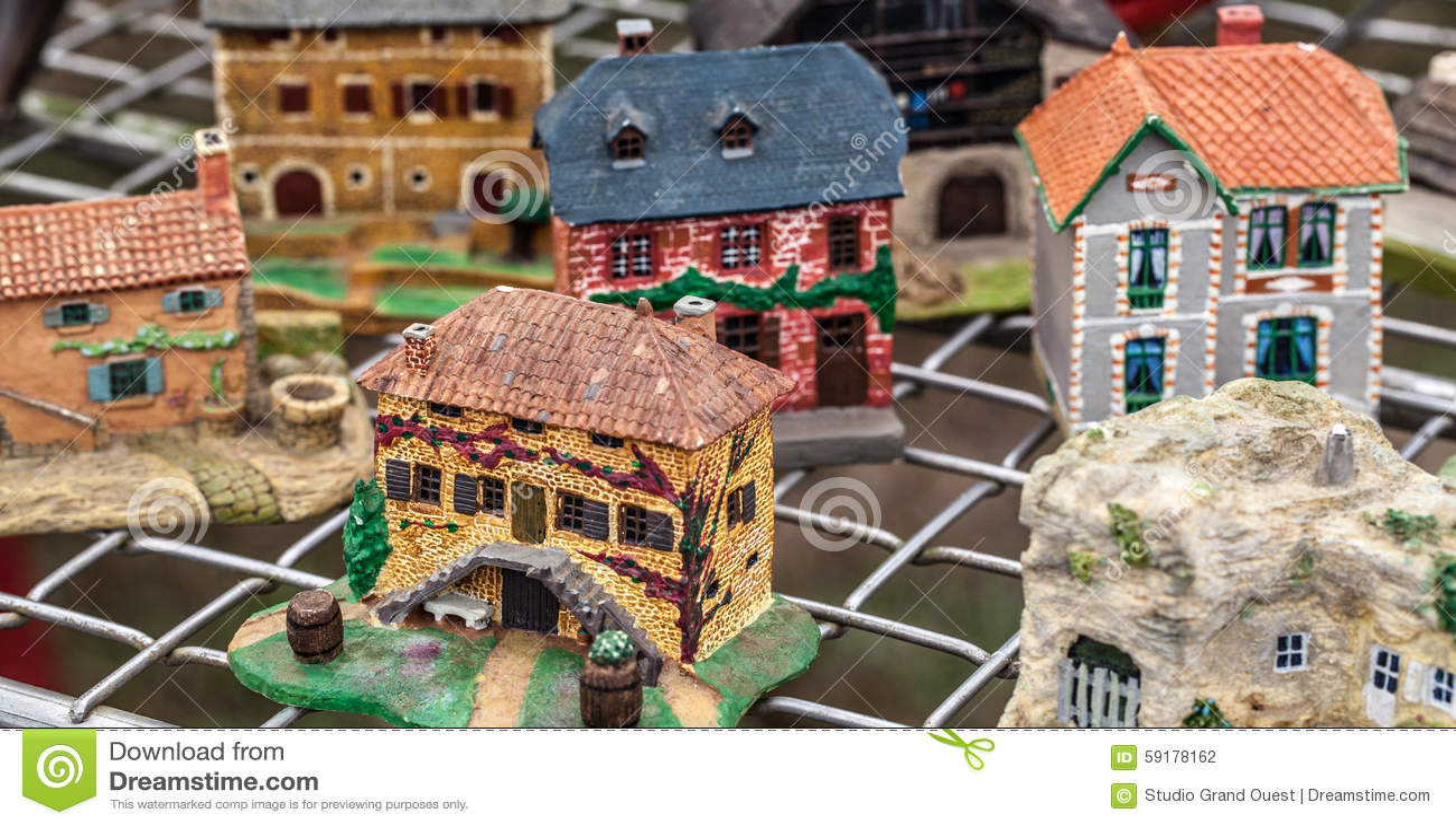 Handgemalte Kleine Häuser Gemacht Für Dekoration Oder Sammlung ...