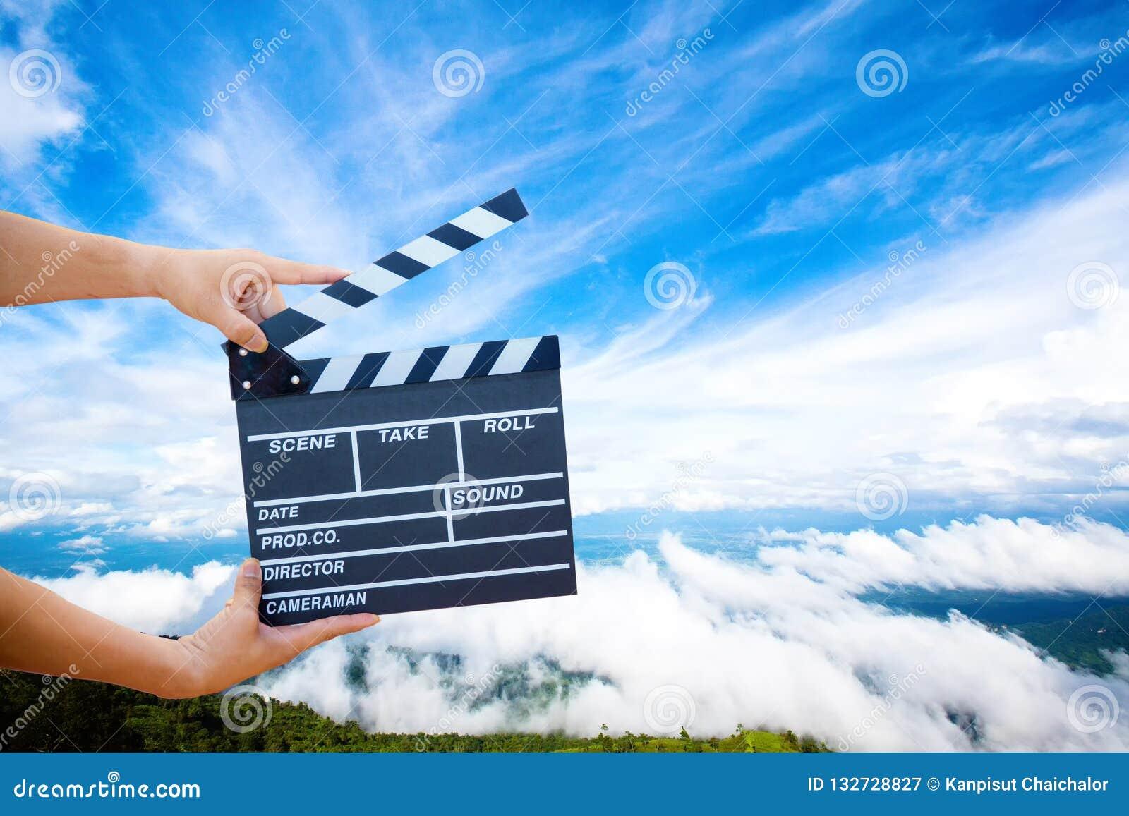 Handgreep een Filmlei met berg en hemel