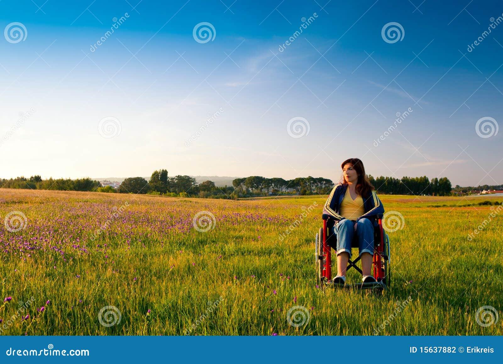 Handikappad rullstolkvinna