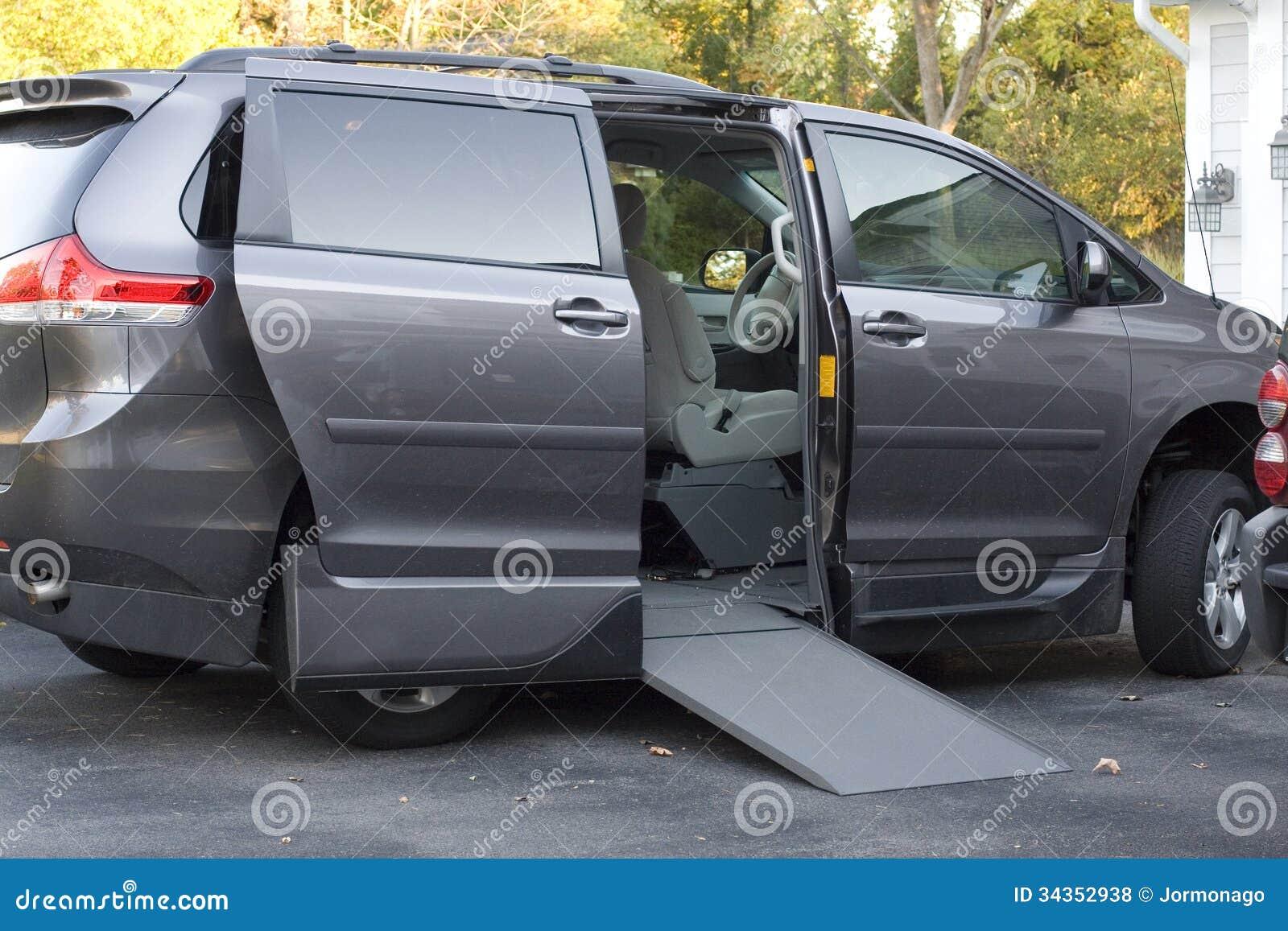Handikappskåpbil med rampen