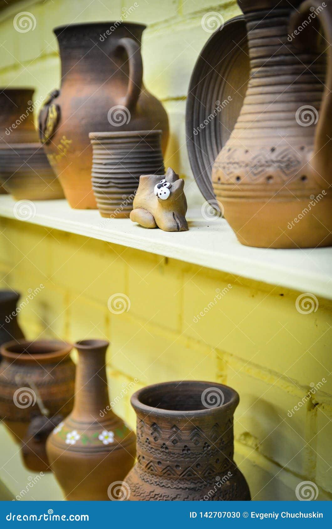 Handmade гончарня от глины