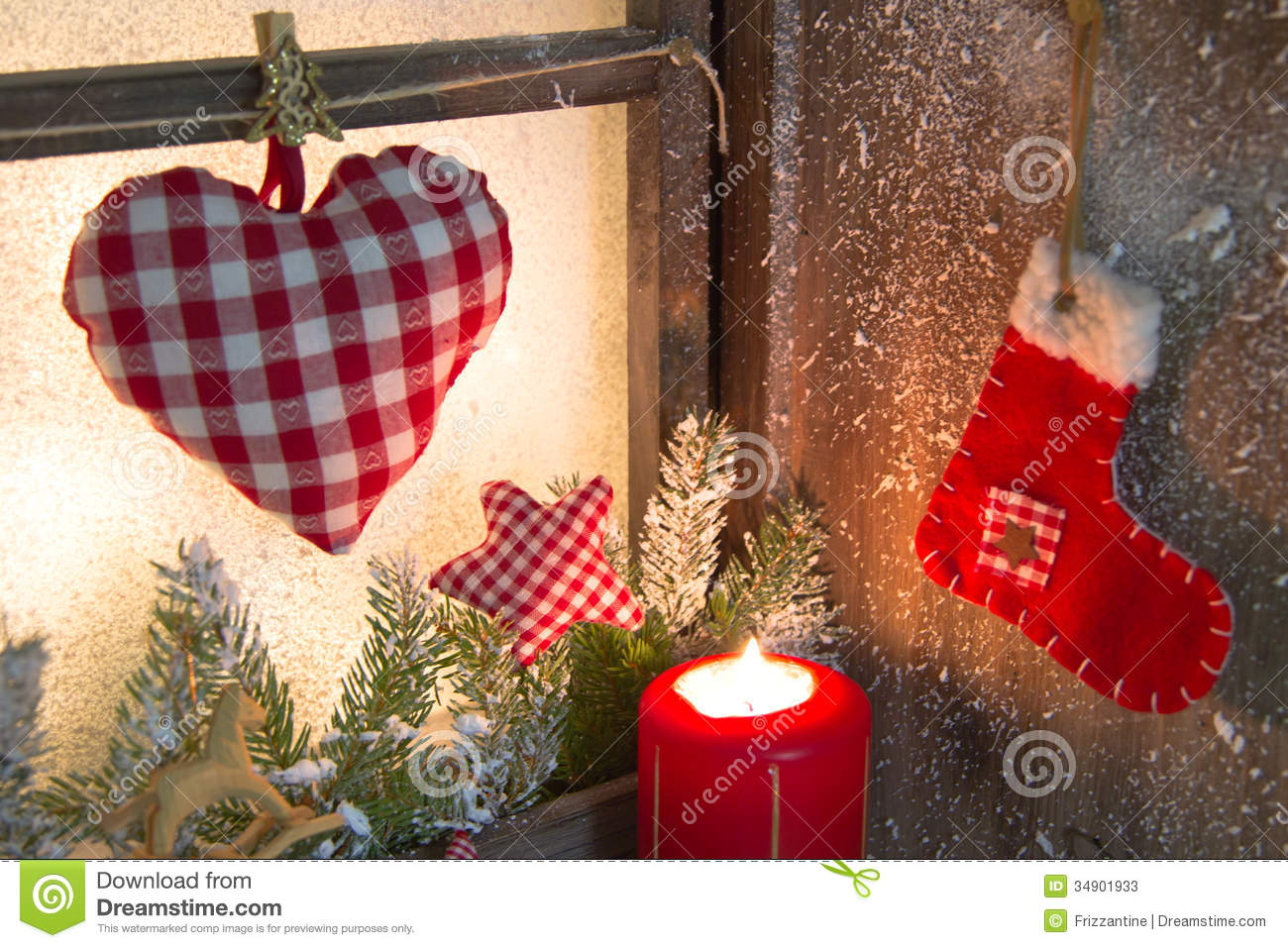 Handmade christmas wooden window decoration with heart and for Decoration de fenetre