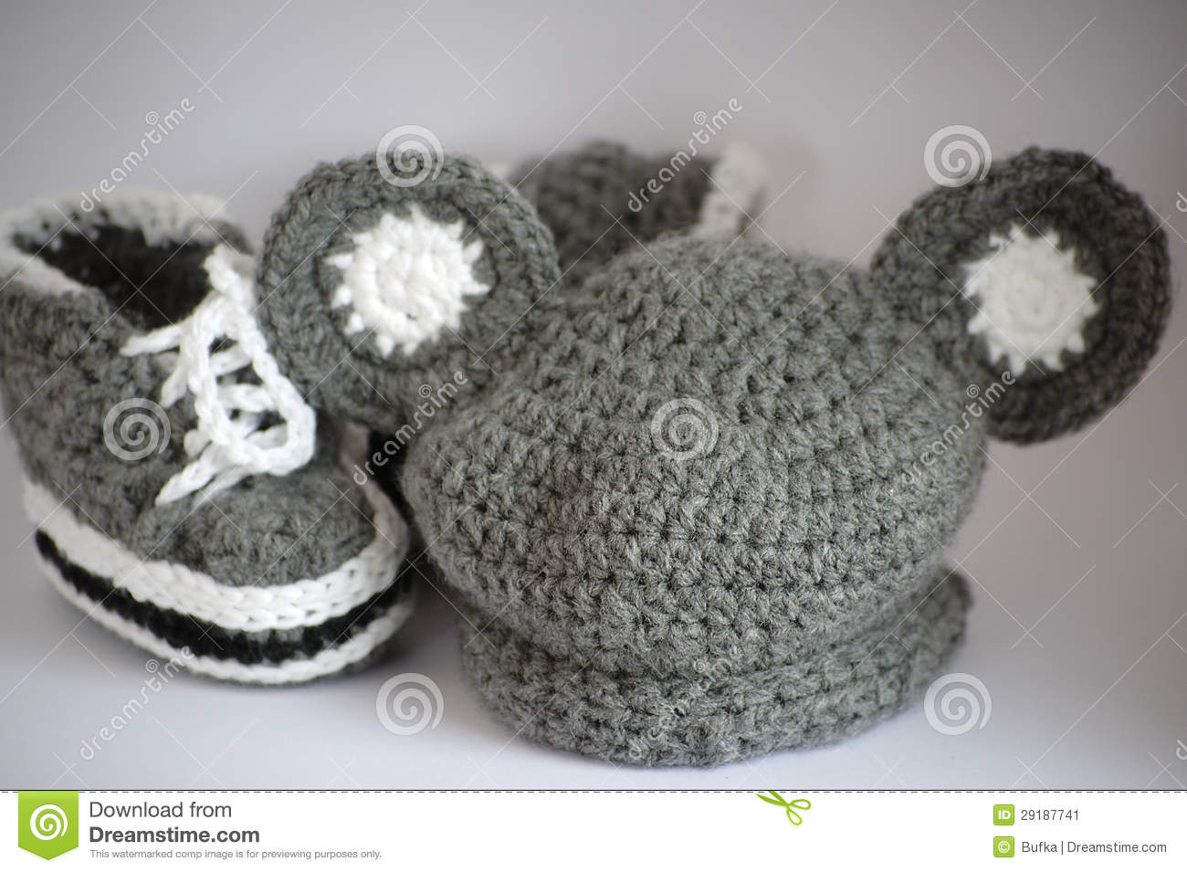 Handmade Knitted Baby Clothes Stock Image Image 29187741
