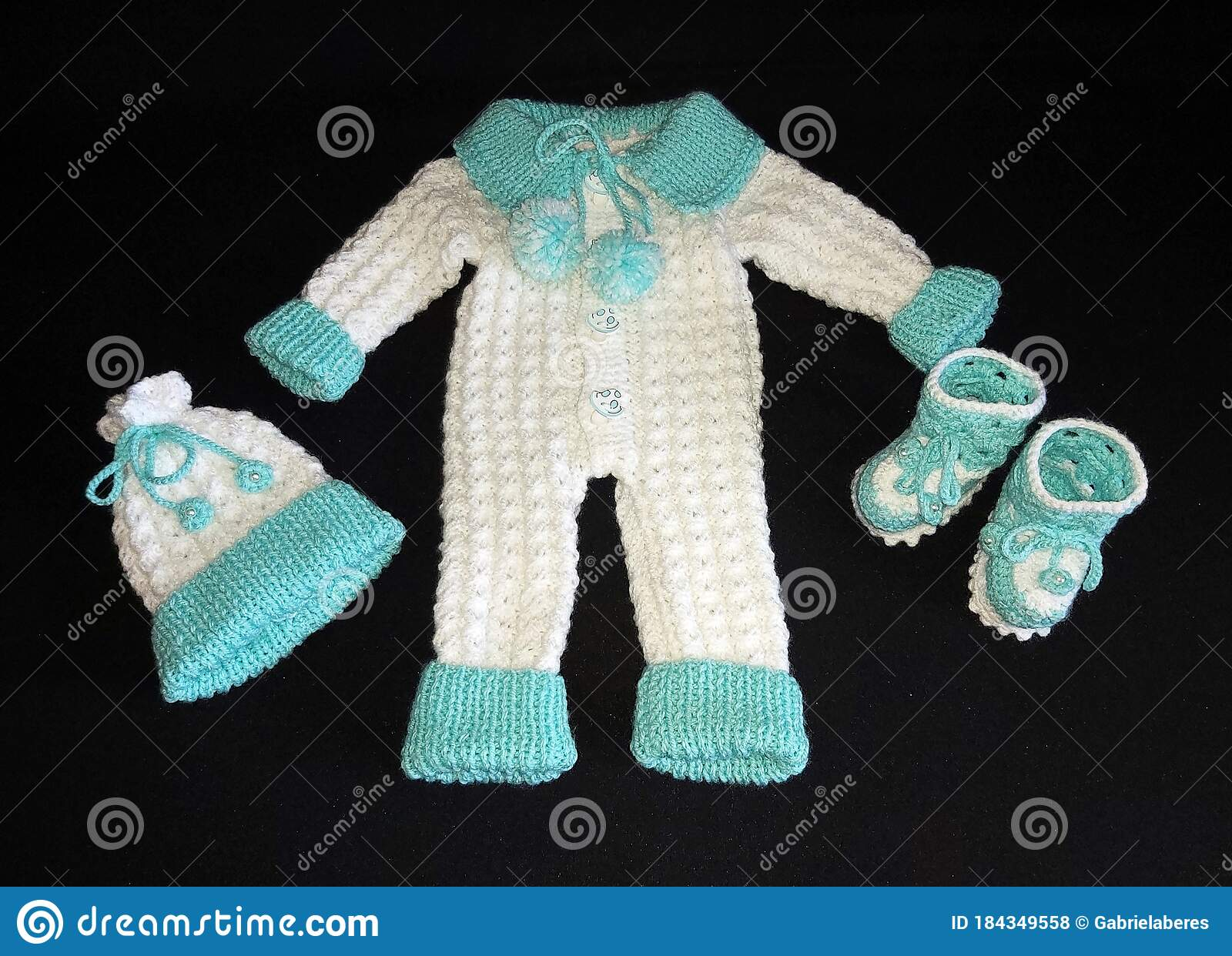 Brand New***Stunning Baby Hat***Hand knitted***Premature-newborn***FREE POSTAGE