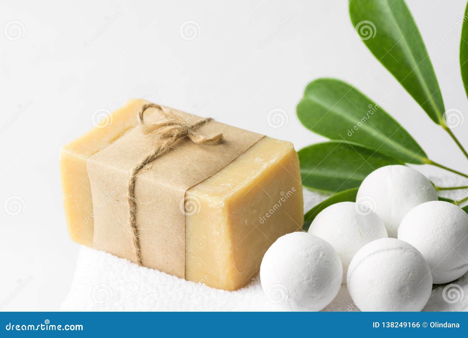 Handmade Salt Bath Bombs In Balls Shape From Organic Vegan